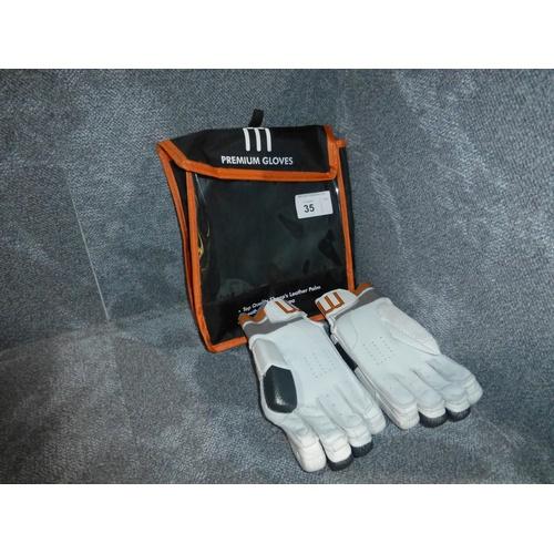 34 - A pair of Macer Premium batting gloves size Mens R/H...