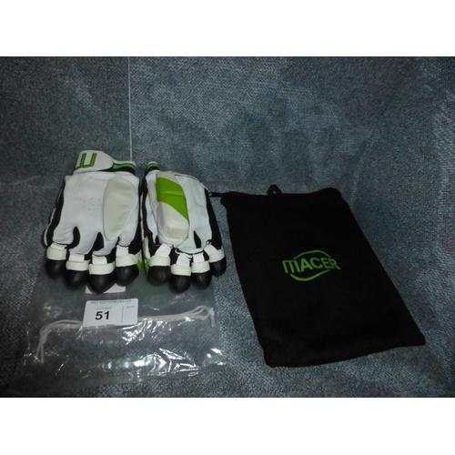 51 - A pair of Macer Elite batting gloves size Mens R/H...