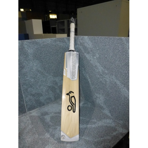 15 - 1 Kookaburra Ghost Prodigy 50 cricket bat size 6, bat has 18 F marked on it and weighs approx       ...