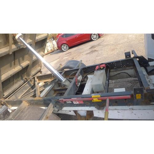 2405 - 1 Ford Transit T350 RWD twin cab tipper Reg: NJ62 VHF, 1st Reg 19/09/2012, 6 sp manual Diesel 2198cc...