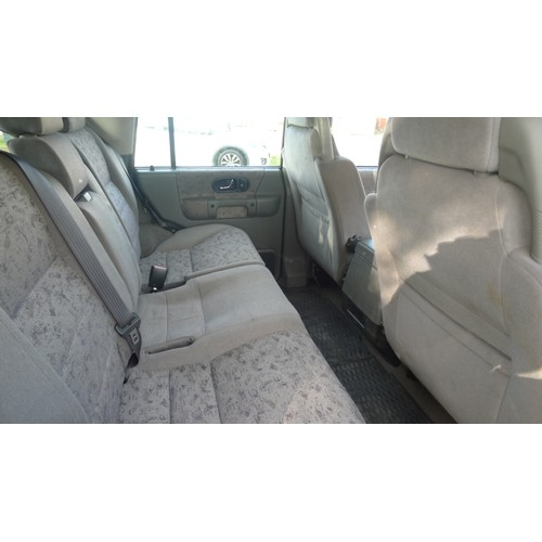 1002 - Landrover Discovery V8i GS Auto, Reg. X134 DDV. 3950cc petrol, 4x4 estate. Yr 2000. 1st reg 01/09/20...