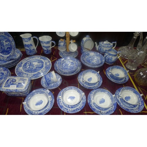 2253 - A large quantity of blue and white Spode Italian design dinner, breakfast and tableware (black spode...