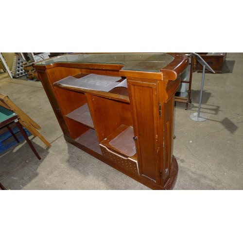 1245 - A fine quality panelled mahogany single bar unit/reception counter with brass rails to front and fit...