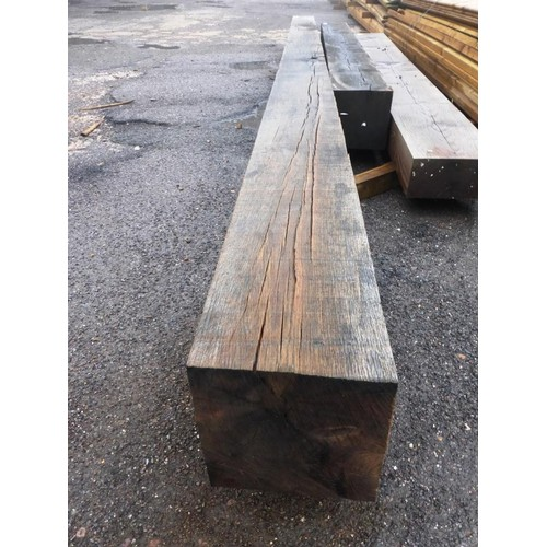 6079 - 1 length of Oak approx 25cm x 25cm x 560cm long...