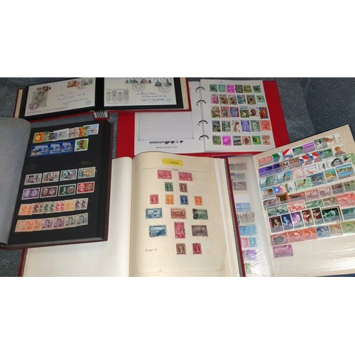 1001D - 5 various stamp albums worldwide collections.