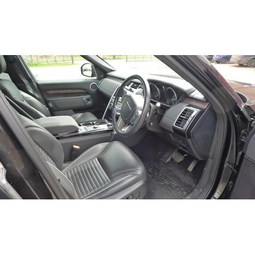 5439 - Land Rover Discovery HSE TD6 5Dr Auto Estate Black, Reg LO17 BYN,  19/05/2017, 2993cc 8spd Auto Dies...