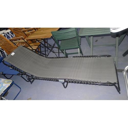 500 - 1 folding metal framed sun lounger - grey mesh type fabric