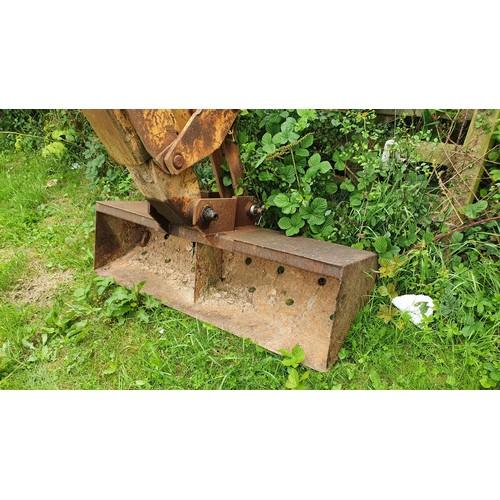 766 - Case 580G wheeled digger. Reg E811 KEW , 1st Registered 22/09/1987, Construction King Model,  Extend...