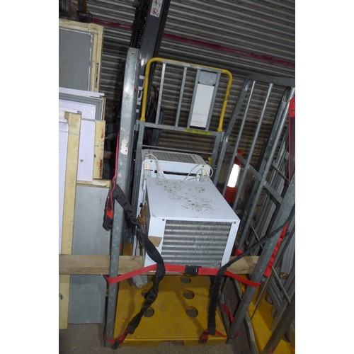 3001 - A flat packed walk in cold room, working when removed, comes with a Fed Zanotti cooler type SCA030 &...