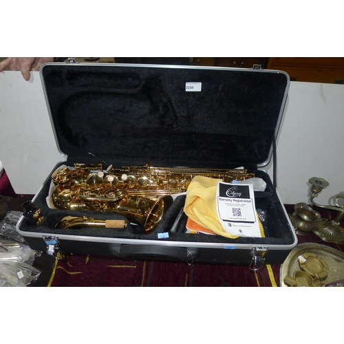 2256 - A modern alto saxophone with carry case by Odyssey