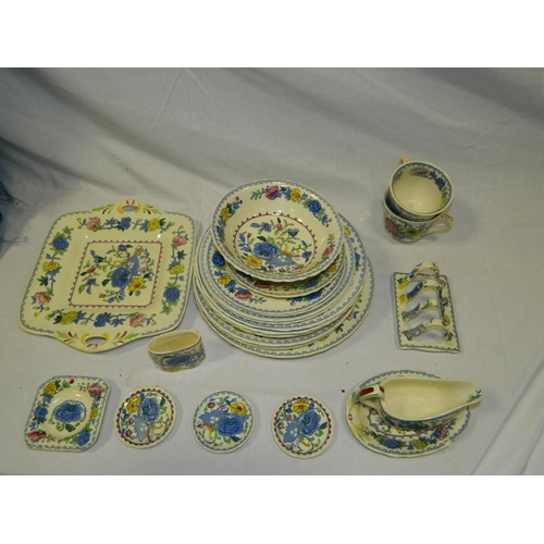 112 - 25 pieces Mason's 'Regency' china...