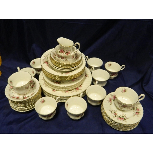 115 - Royal Albert piece tea set 'Lavender Rose'...