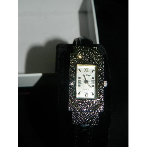 196 - Ladies Art Deco style watch...