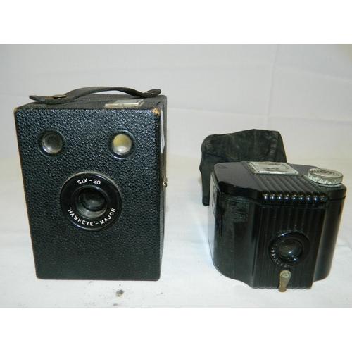 246 - 2 vintage cameras...