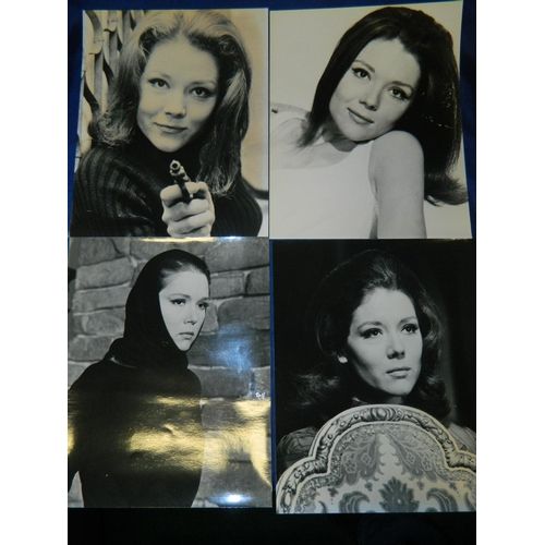 275 - 16 collectable unframed Avengers photographs including photo shoot pictures of Diana Rigg and scenes...