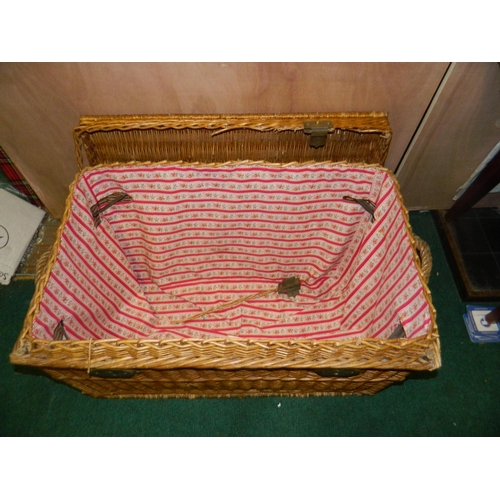 297 - Lined wicker linen basket [H: 55 x W: 60 x D: 50]cm...