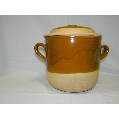 320 - Large terracotta cooking pot...