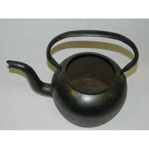 370 - Vintage Cast iron kettle...