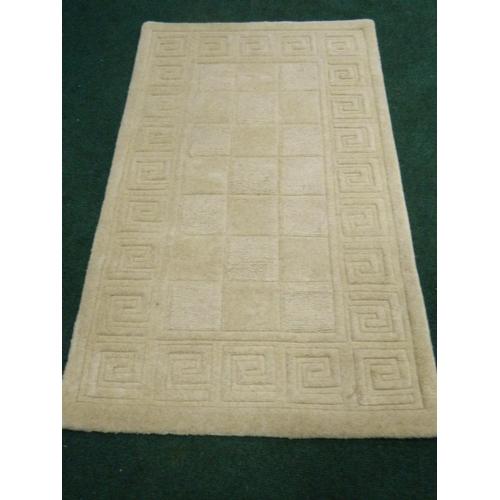 473 - Modern Cream rug [5x3ft]...