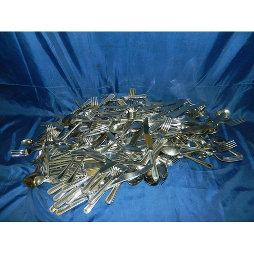 505 - Large box of mixed cutlery...