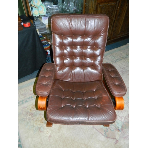 521 - Danish leather reclining chair...