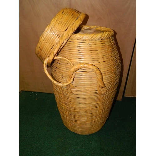533 - Wicker laundry basket...