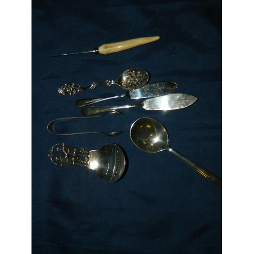 570 - 3 Silver spoons and a small quantity of silver plate...