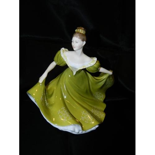 574 - Royal Doulton figurine 'Lynne' HN 2329...