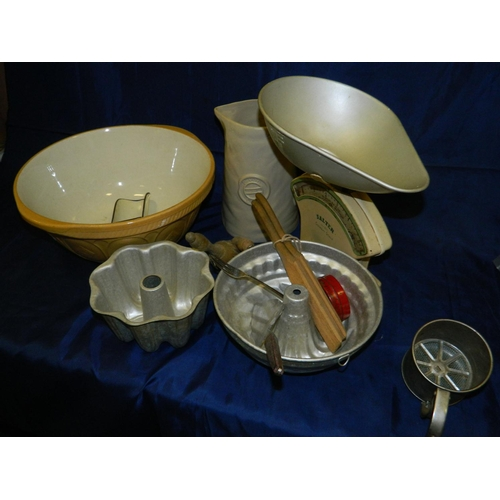576 - Box of kitchenalia including mixing bowl and salter scales...
