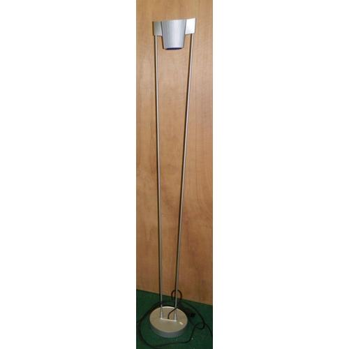 582 - Modern floor uplighter...