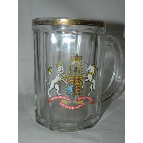 605 - Elizabeth II coronation pint mug...