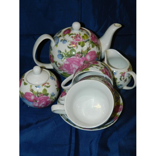 638 - Decorative 'Regal Spencer fine china' Teapot, milk jug, sugar bowl and 3 cups and 3 saucers...