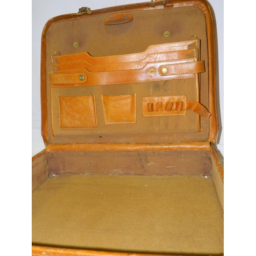 80 - Vintage leather suitcase...