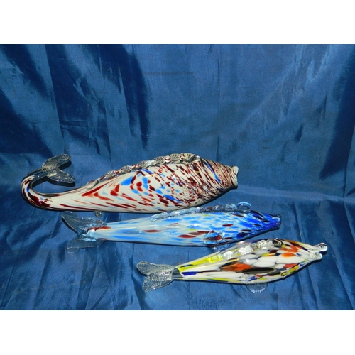 90 - 3 Quality Murano glass 'Blow' fish ornaments...