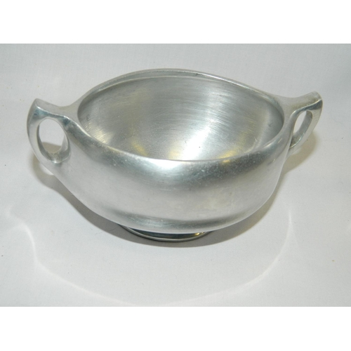 91 - 4 pieces of Picquot ware...