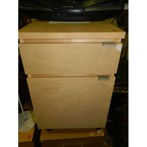 669 - 2 drawer filing cabinet...