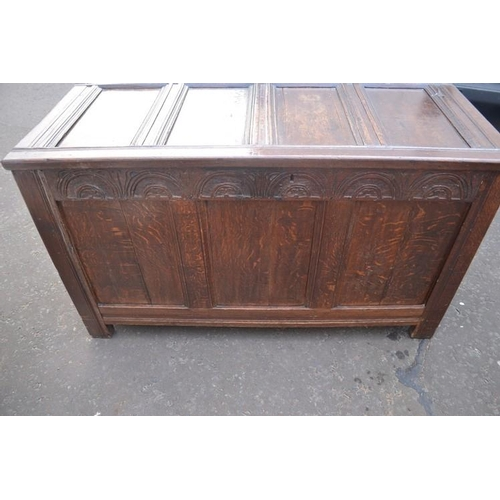 51 - Georgian lidded kist 4ft L approx - great for storage...