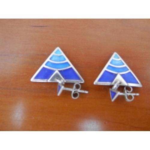35A - Silver (925 ) triangular earrings...