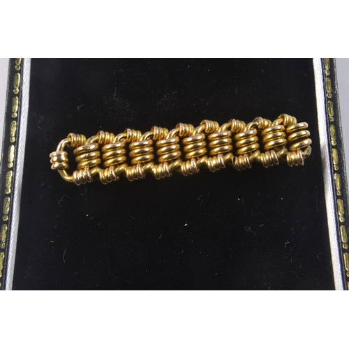 3B - 15ct Stamped Yellow Gold bar brooch in basket weave style design [L:5cm x 1cm ]#17