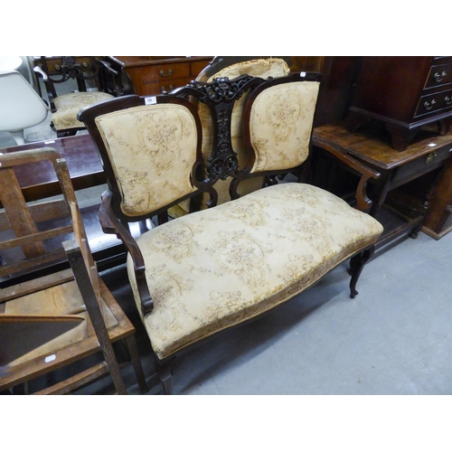 190 - EDWARDIAN TWO SEATER DRAWING ROOM SETTEE HAVING CARVED BACK...