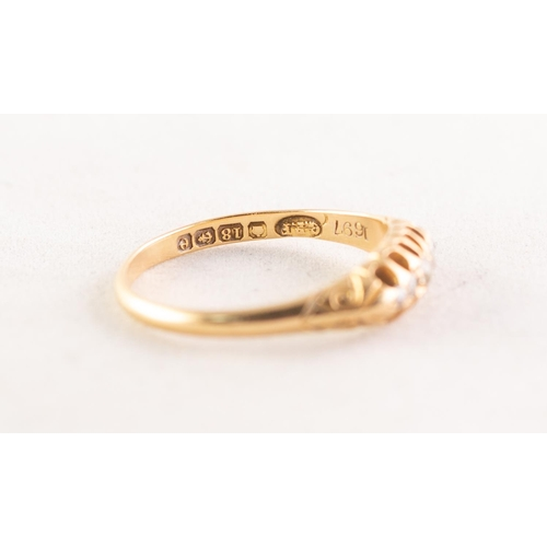 47 - AN EDWARDIAN 18ct GOLD RING, with a lozenge shaped setting of five graduated small diamonds, Birming...