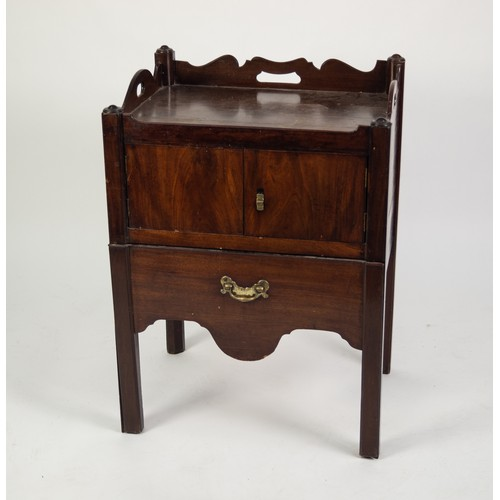 129 - GEORGE III MAHOGANY TRAY-TOP NIGHT COMMODE, the altered and adapted pull-out chamber pot drawer bene...