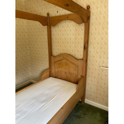 124 - MODERN HEAVY PINE FOUR POSTER SINGLE BED, 3' WIDE, with mattress