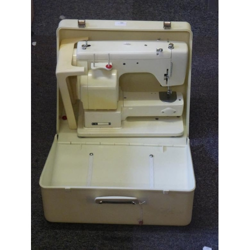 435 - New home electric sewing machine (no leads)...