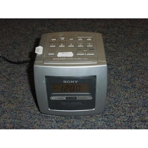 470 - Sony Cube Radio alarm clock...
