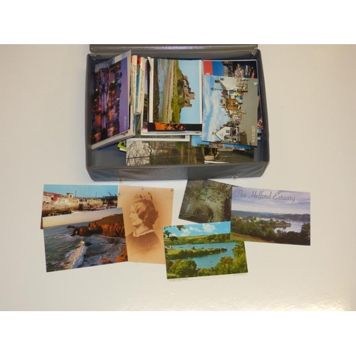 160 - Collection of Vintage postcards and travel guides...