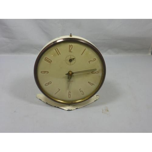 20 - Retro original cream coloured metal cased