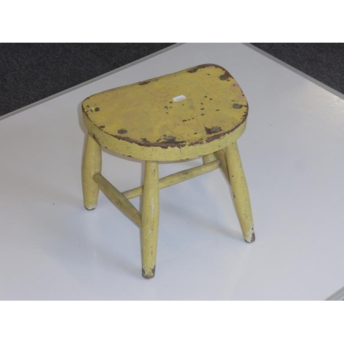 442 - Small yellow painted stool...