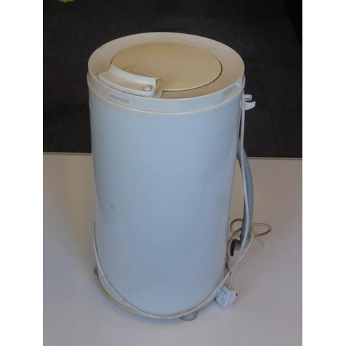 450 - Ariston spin dryer (working)...