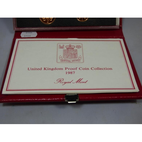 47 - Royal Mint 1987 United Kingdom Proof coin collection 1987...